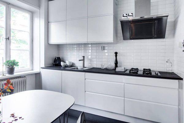 Reforma tu cocina sin obras pastor decoraciones - Cocinas con azulejos blancos ...